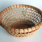 portafrutta intreccio a nassa in salice decorticato e ceramica